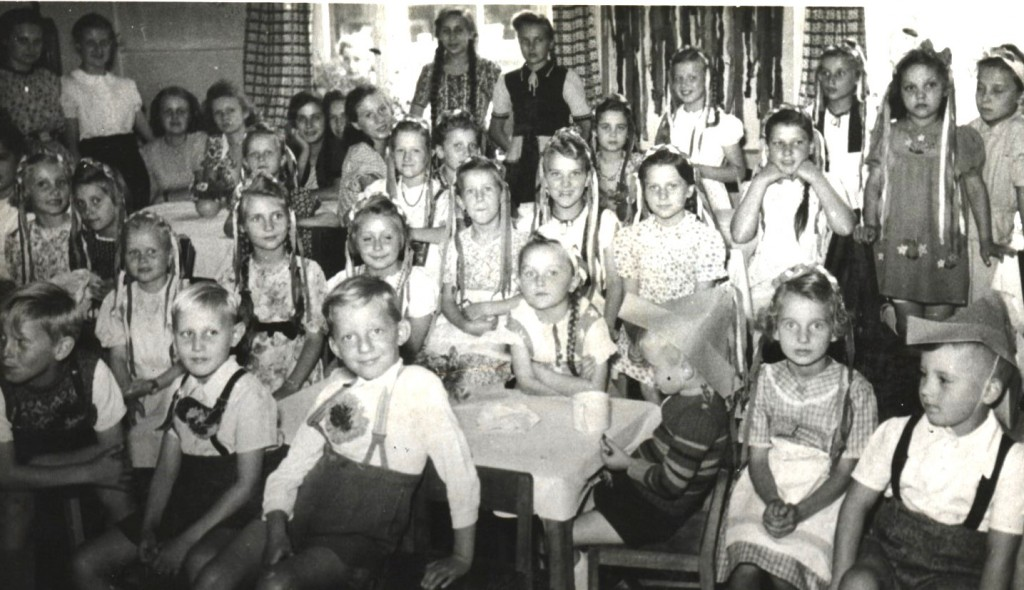 Kindheit 12Kiga AvH um 1950(2)