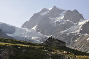 Die Hütte Elisabetta Soldini in 2200 m Höhe