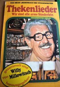 Hans-Ulrich Peuser konnte dieses seltene Exemplar für die geplanten Rudelsing-Veranstaltungen im zukünftigen MKKM ersteigern.