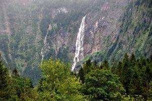 Parallel zum Röthbachwasserfall ging es steil aufwärts zur Wasseralm.