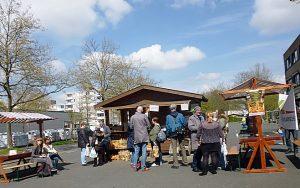 """Kartoffeln, frisch gegrillt oder zum Selbst-verarbeiten vom nahen Bauernhof gabs beim """"Markt für einen Tag""""."""